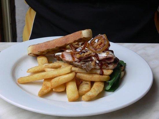 Muddy Waters Cafe: Steak sandwich