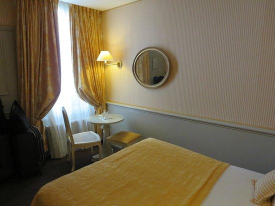 Hotel du Champ de Mars: Room 2