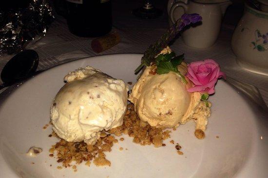 Karoux Restaurant: Ice cream to die for