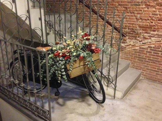 Eric Vokel Boutique Apartments - Madrid Suites: Stairs