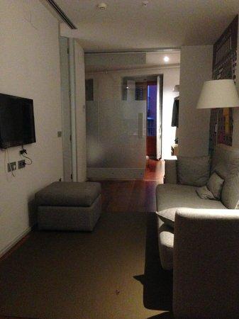 Eric Vokel Boutique Apartments - Madrid Suites: Sofa/TV