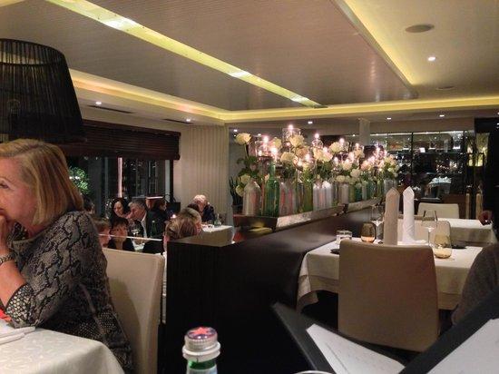 Verdi Restaurant & Einkehr: Nice, warm decor