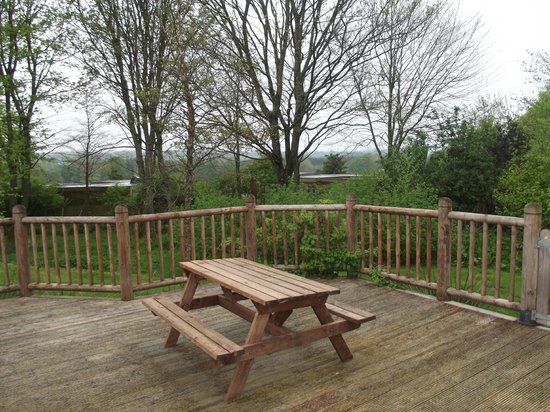 Ribblesdale Park: Deck and view
