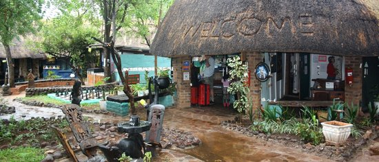 Victoria Falls Backpackers: Reception