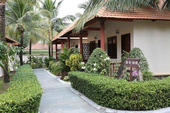 Thien Thanh Resort: Корпуса ближе к морю