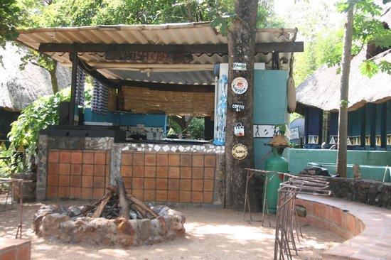 Victoria Falls Backpackers: Bush Cafe - Braai night