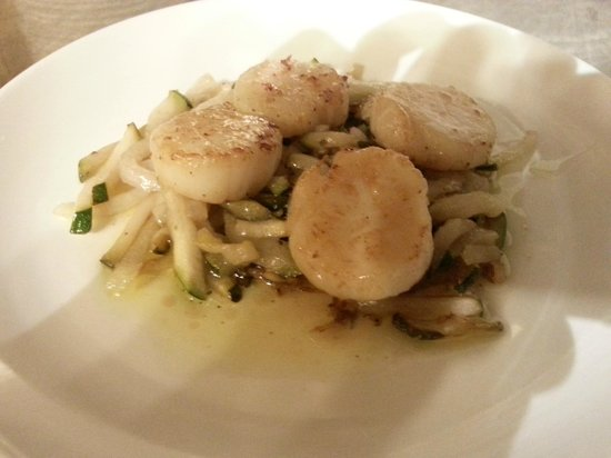 Alexandros: Scallops with Zucchini