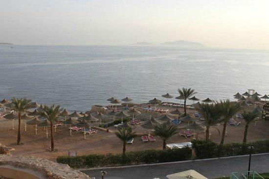 Dreams Beach Resort: view of beach area