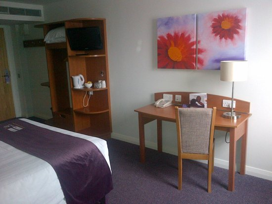 Premier Inn London City (Old Street) Hotel: Room 922