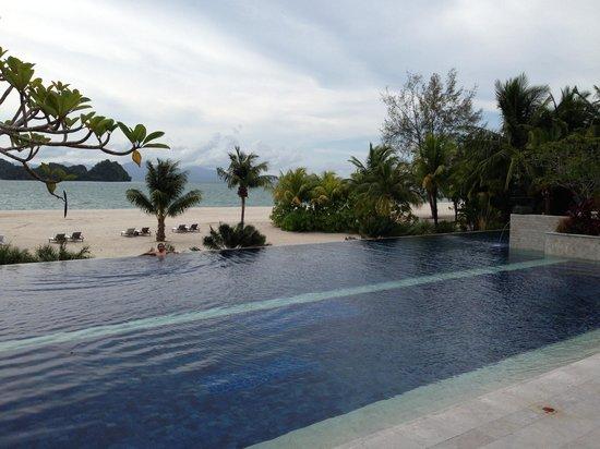 Four Seasons Resort Langkawi, Malaysia : Quiet pool