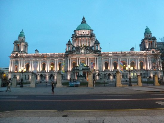 Premier Inn Belfast City Centre (Alfred Street) Hotel: Belfast City Hall