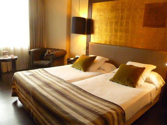 Ayre Hotel Astoria Palace : Hotel Room
