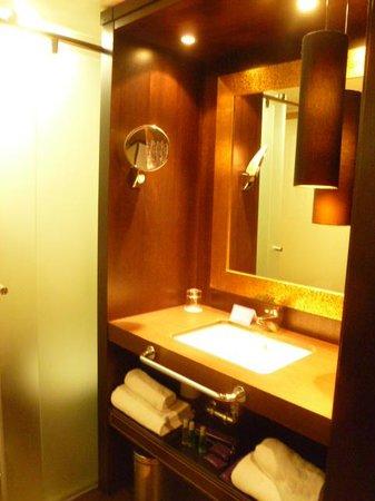 Ayre Hotel Astoria Palace : Bathroom
