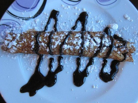ShoeString Cave House : Dessert from the dinner menu. Chocolate pancake roll.