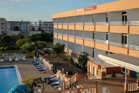Hotel Estudios Tropicana: vista del edificio