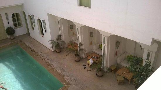 Riad Marrabahia : lodge de la piscine