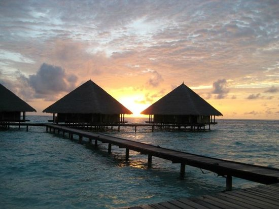 Adaaran Club Rannalhi: Les water bungalow