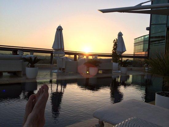 Jumeirah Creekside Hotel: Vista desde la piscina de la azotea.