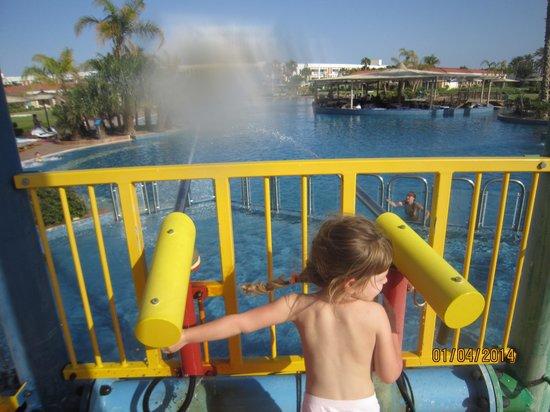 Maritim Jolie Ville Golf & Resort : Водная учтановка для детей