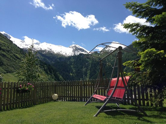 Fernerblick Apartments: Ausblick Sommer