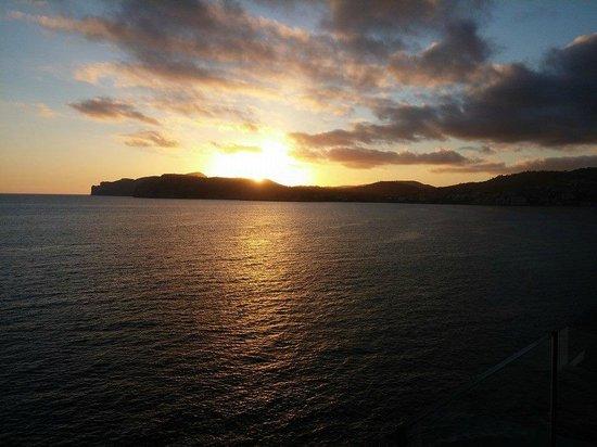 SENTIDO Punta del Mar: Blue bar sunset