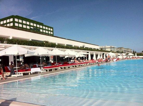 Adam & Eve Hotel: The second pool