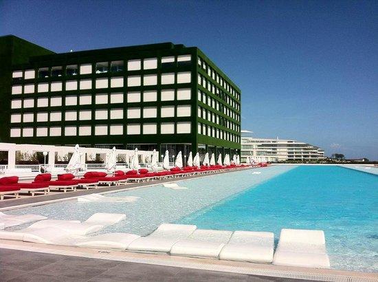 Adam & Eve Hotel: Olympic pool