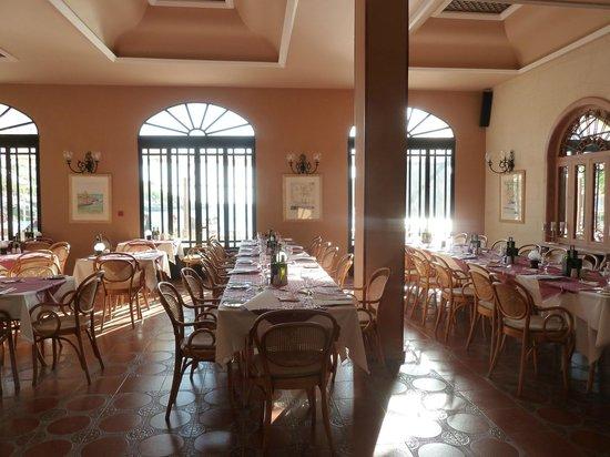 Saint Patrick's Hotel: Dining rom