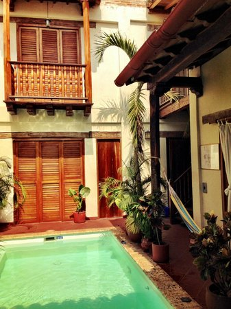 Casa Sweety: Pool lounge area