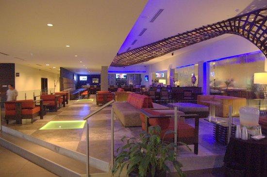 Riande Aeropuerto: Reception seating area