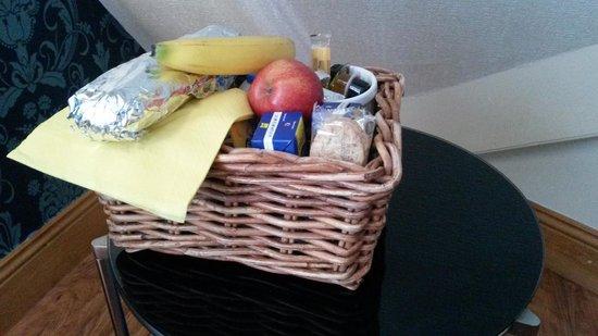 Elford Guest House: the breakfast basket