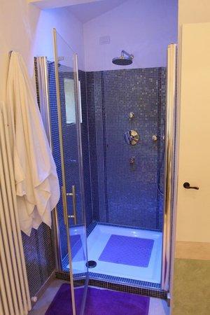 Relais Casamassima: shower