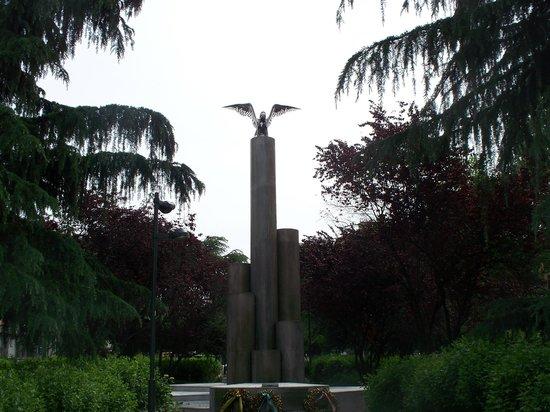 Monumento Alla Guardia Di Finanza