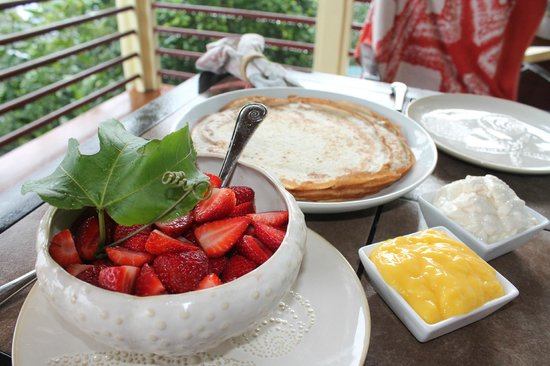 Waipio Rim: Breakfast