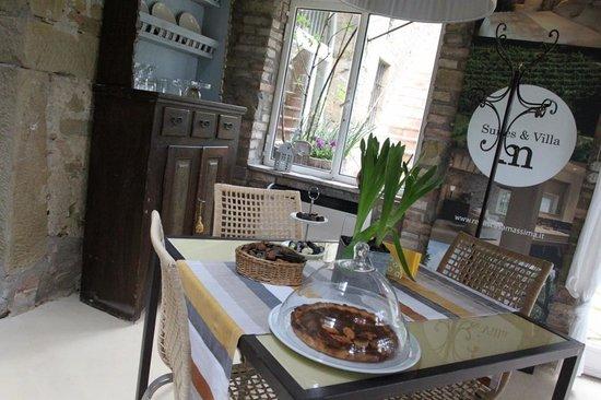Relais Casamassima: breakfast area