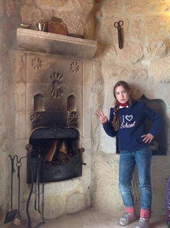 Koza Cave Hotel: Камин в номере