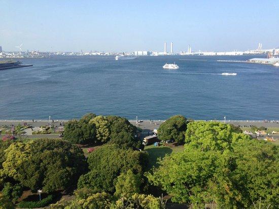 Hotel Monterey Yokohama: View from Seafront room