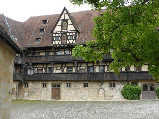 Alte Hofhaltung : Innenhof und Haupthaus
