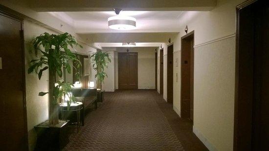 The New Yorker A Wyndham Hotel: ascensori al piano
