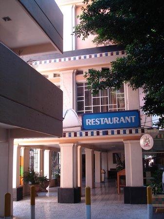 Hotel Fenix: Restaurant de l'hôtel en mars 2011.
