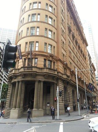 Radisson Blu Plaza Hotel Sydney: Corner view of hotel