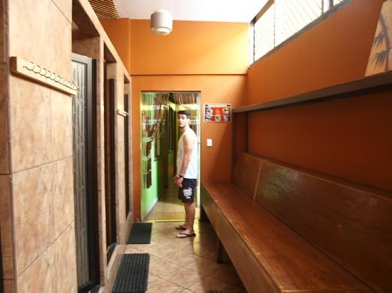 Hostel Pangea: Duchas