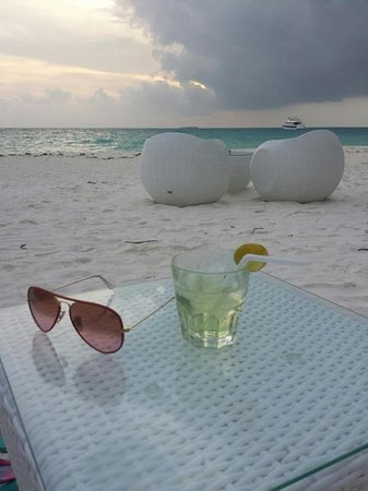 Meeru Island Resort & Spa : View at the Bar