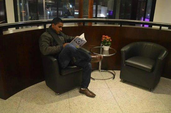 Mercure Curitiba Batel: Áreas de Leitura!