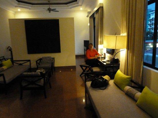 White Mansion : Living room area