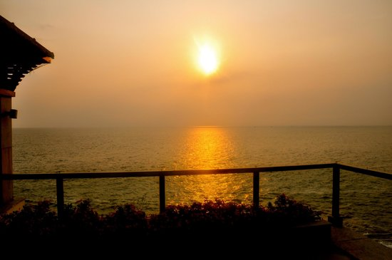 The Leela Raviz Kovalam: Gorgeous sunsets a plenty