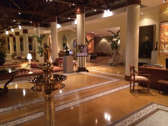 The Leela Raviz Kovalam: Very tastefully decorated lobby