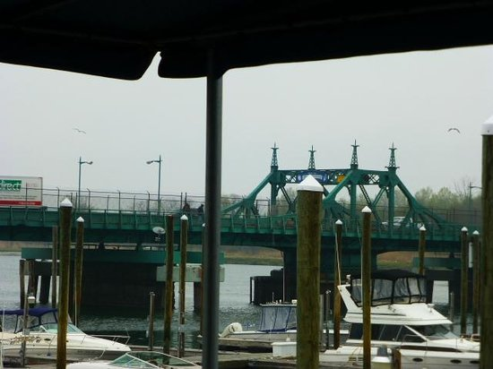 City Island Lobster House: just across the bridge