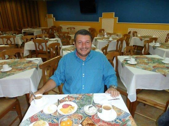 Libertador: Café da Manhã