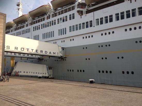 SS Rotterdam : All Aboard